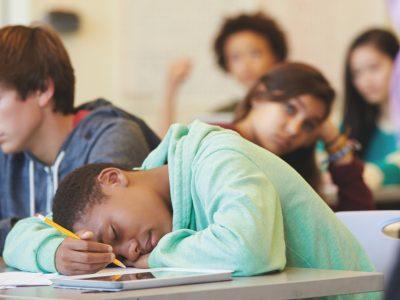 slaapproblemen pubers adolescenten